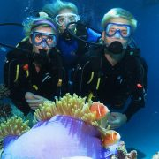 outer-barrier-reef-pontoon-platform-learn-to-dive-nemos